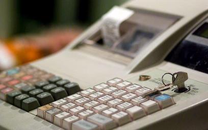 Zapłata kartą pozwala uniknąć kasy fiskalnej