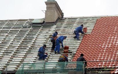 Nowy dach zabytku na koszt właściciela