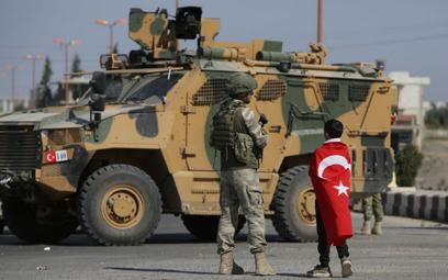AI: Turcja przymusowo przesiedla uchodźców do Syrii