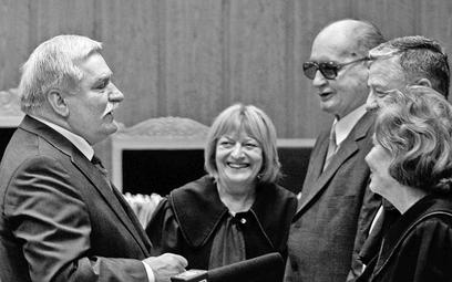 Lech Wałęsa 30 lipca na procesie Grudnia ,70 w obecności Wojciecha Jaruzelskiego zaapelował, aby naj