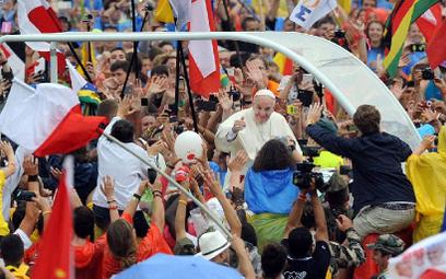 Papież oskarżony o szerzenie herezji