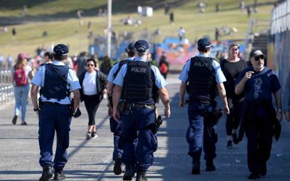 Policjanci patrolują ulice Sydney