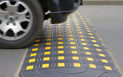 Progi zwalniające są utrapieniem kierowców