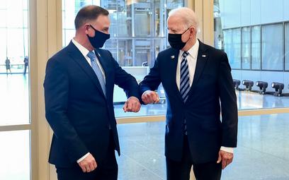 Joe Biden ratuje relacje z Polską