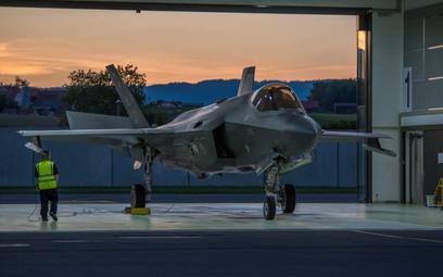 Amerykańskie F-35A Lightning II w bazie Payerne w Szwajcarii. Fot./ Federalny Departament Obrony, Oc