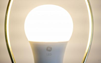 Kropki kwantowe firmy są nakładane bezpośrednio na diody LED. Umożliwia to konwersję światła na pożą