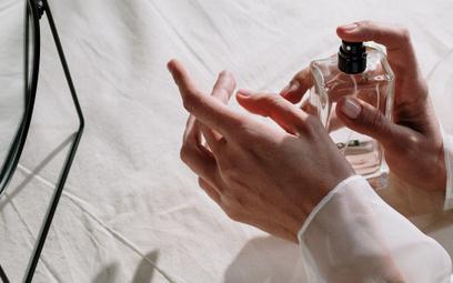 Co miesiąc nowy zapach. Tak działa abonament na perfumy