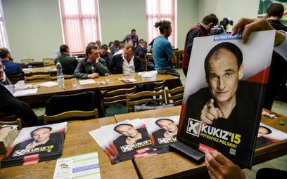 Plakaty wyborcze Pawła Kukiza, podczas Rady Krajowej Ogólnopolskiego Porozumienia Związków Zawodowyc