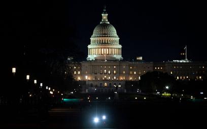 USA: Znów szturm na Kapitol? Izba Reprezentantów odwołuje sesję