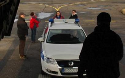 Samoloty CASA przewożą karetki i medyków