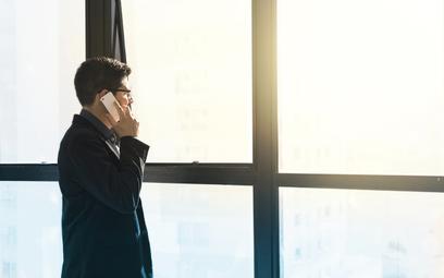 Rosną opłaty za roaming w Wielkiej Brytanii