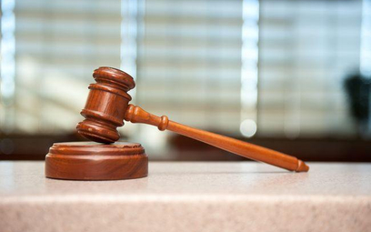 Wprawdzie notariusz, pouczając pozwaną, że jest ona zwolniona od podatku od darowizny, nie dochował