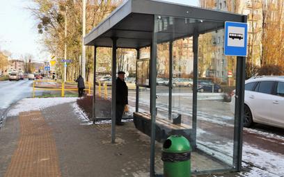 Komunikacja miejska ma jeździć w czasie epidemii koronawirusa zgodnie ze świątecznym rozkładem jazdy