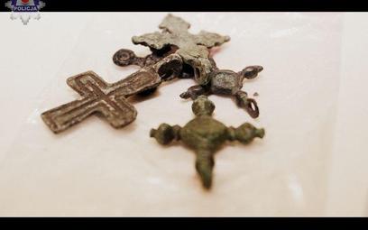 Takie przedmioty oferował na aukcjach internetowych Ukrainiec