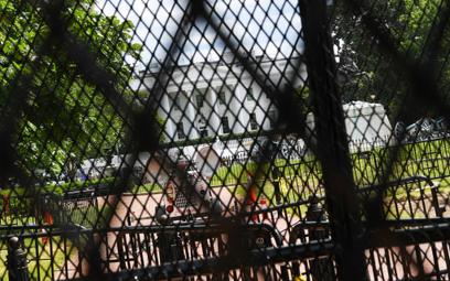 Śmierć Floyda. Zasieki przed Białym Domem
