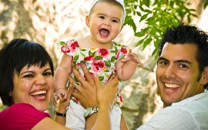 W czasie urlopu rodzicielskiego firma nie może zwolnić pracownika.