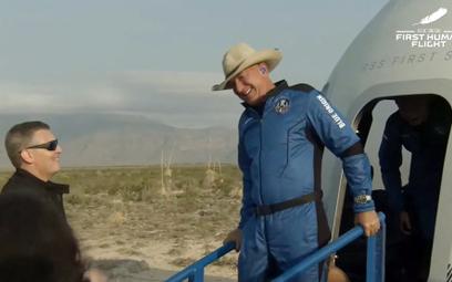 Udany lot Jeffa Bezosa. New Shepard wylądował