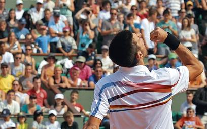 Jeszcze pięć wygranych meczów w Paryżu i Novak Djoković będzie mógł mówić, że jest jak John McEnroe