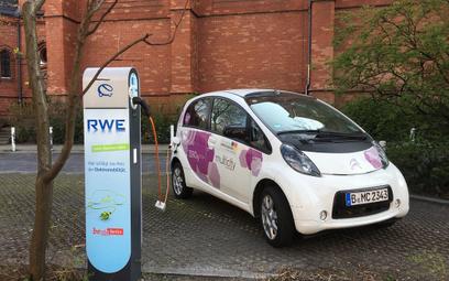 W Niemczech sprzedaż elektryków też idzie jak po grudzie