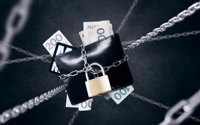 Co zrobić, gdy bank zablokuje środki na koncie?
