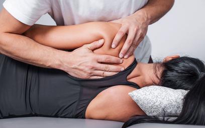 Usługi fizjoterapeuty: ryczałt tak, karta nie