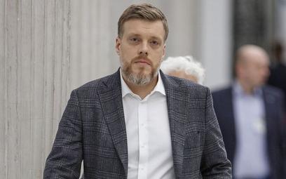 Zandberg: Odejście posłanki Pawłowskiej jest nieprzyzwoite