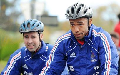 Thierry Henry (z prawej)