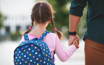 Zasiłek opiekuńczy dla rodziców uczniów wrócił, ale na krótko