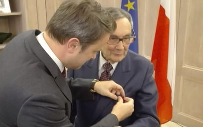 Marian Turski otrzymał medal z rąk premiera Luksemburga