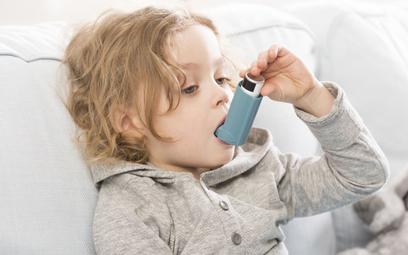 To udowodnione: Smog znacznie zwiększa ryzyko astmy u dzieci