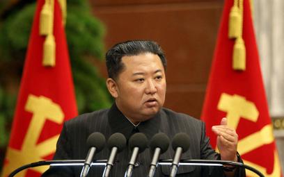 Kim Dzong Un nakazuje rozwiązanie problemu niedoboru żywności