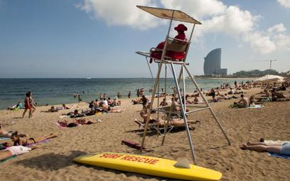 Hiszpania: Szczepionka warunkiem powrotu dawnej turystyki