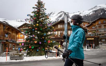 Brytyjscy narciarze uciekli ze Szwajcarii. Przestraszyli się kwarantanny