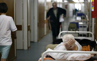 MZ: w spółkę przekształci się co trzeci szpital