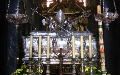 Trumna-relikwiarz św. Stanisława Biskupa i Męczennika na Wawelu