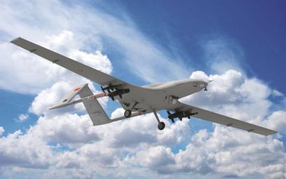 Bezzałogowy aparat latający Baykar Bayraktar TB2 uzbrojony w lekkie bomby korygowane MAM-L. Fot./Bay
