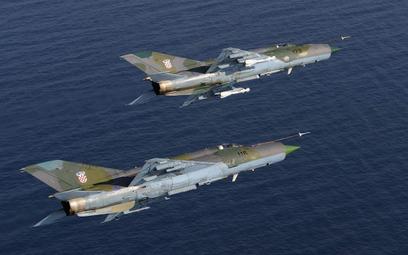 Samoloty myśliwskie MiG-21bisD chorwackiego lotnictwa. Fot./Ministerstwo Obrony Chorwacji.