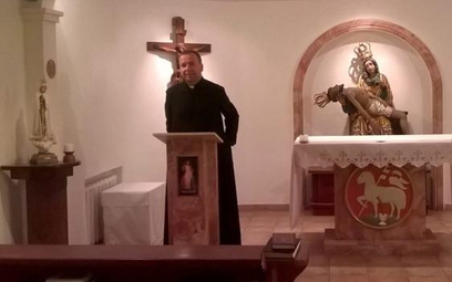 Ks. Jacek Raszkowski w kościele w Kazachstanie apeluje o wsparcie