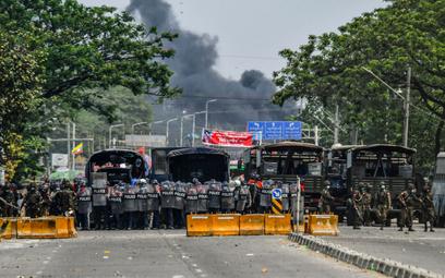 Mjanma: Zamieszki w mieście Rangun. Są ofiary, płonęły fabryki