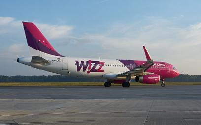 Awaryjne lądowanie samolotu Wizz Aira z Gruzji do Warszawy. Alarm bombowy