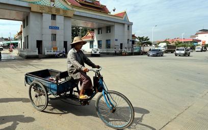 Koronawirus. Chiny: 15 lokalnych zakażeń. Blokada miasta