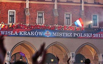 Kraków świętował całą noc 13. tytuł mistrzowski dla Wisły