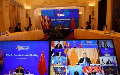 Chiny: USA zagrażają pokojowi w rejonie Morza Południowochińsiego