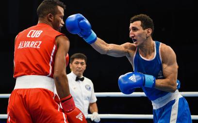 Lazaro Alvarez przegrał z Francuzem Sofianem Oumihą w wadze 60 kg