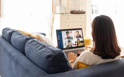 Home office – pracodawcy skontrolują warunki pracy zdalnej