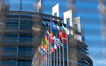 Trwają intensywne próby ustalenia, do kogo ina jakich zasadach mają trafiać dotacje znowego unijne
