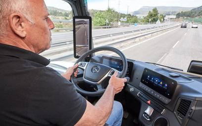 Podczas pandemii kierowcy mogą dłużej pracować