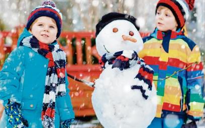 Podczas zabaw na śniegu nietrudno o nieszczęśliwy wypadek.