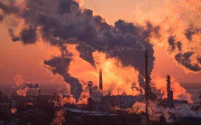 Rekordowa cena uprawnień do emisji CO2. Pękło 50 euro za tonę