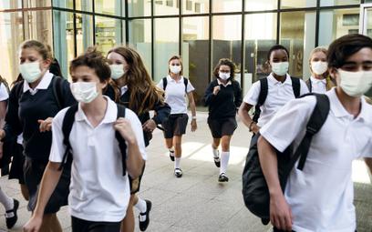 CDC: Badania pokazują, że maski pomagają zmniejszyć liczbę zakażeń w szkołach